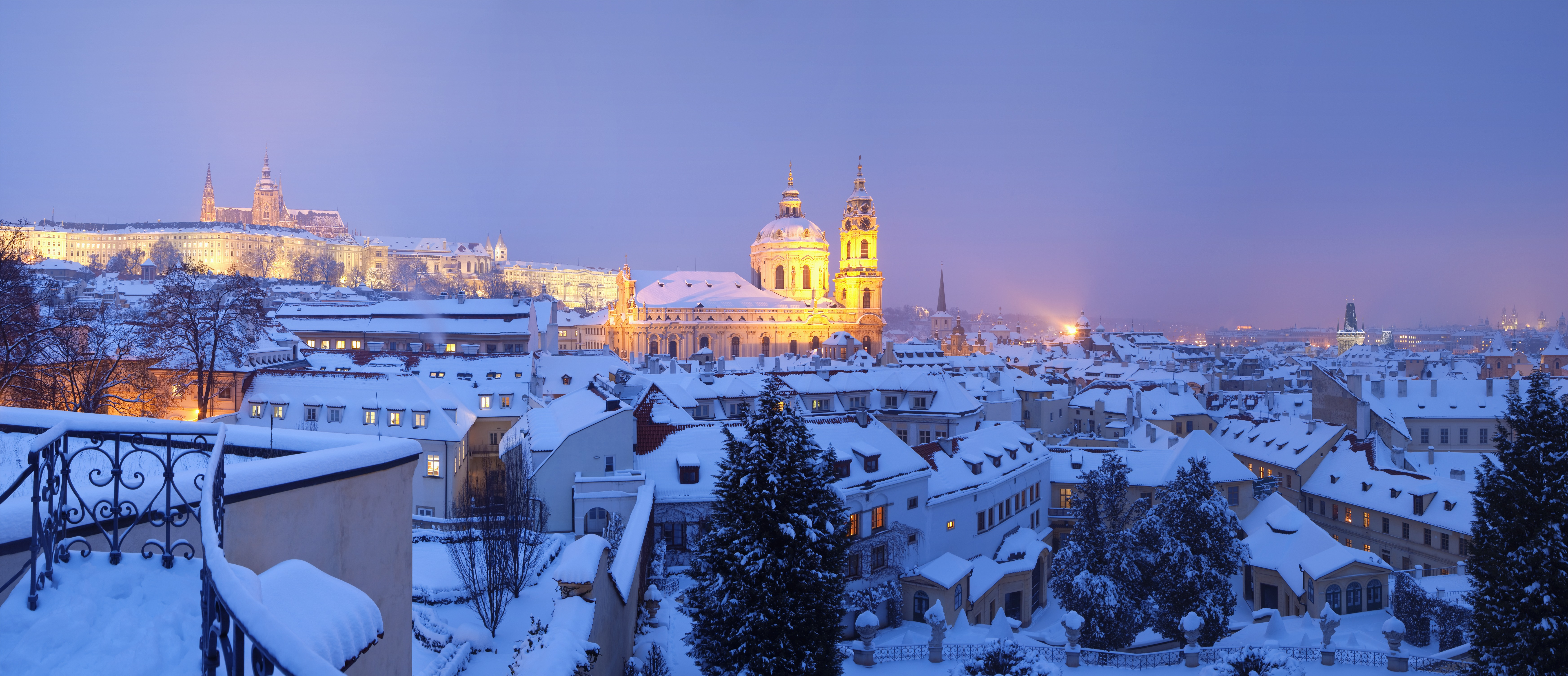 We choose the route of winter holidays. Prague in the New Year