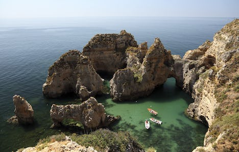 The Charms of the Algarve for Single Travellers by Air