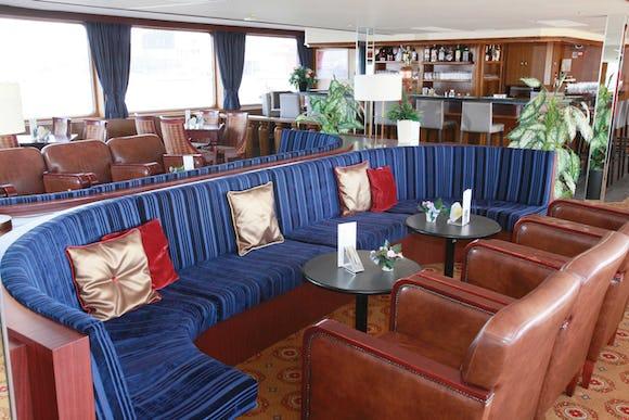 Esmeralda Lounge