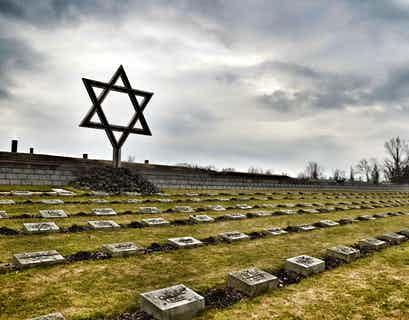 The Holocaust Remembered – The Moving Story of Anne Frank & Oskar Schindler