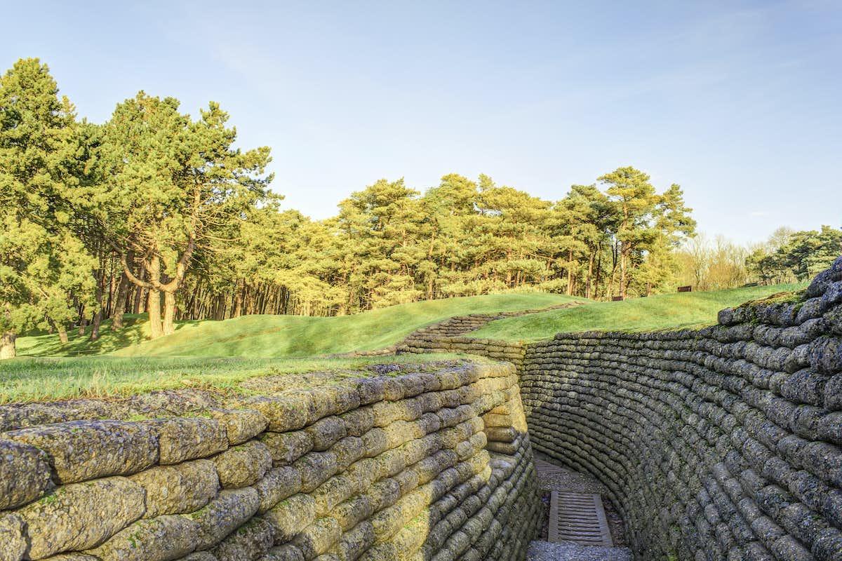 Arras vimy ridge centenary tour leger holidays - Point p arras ...