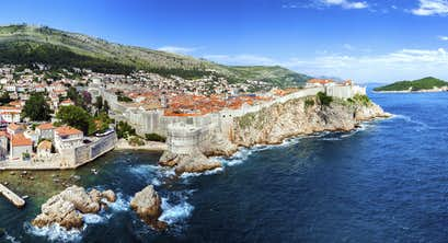 Coastal cruising along the Dalmatian Coast from Dubrovnik by Air