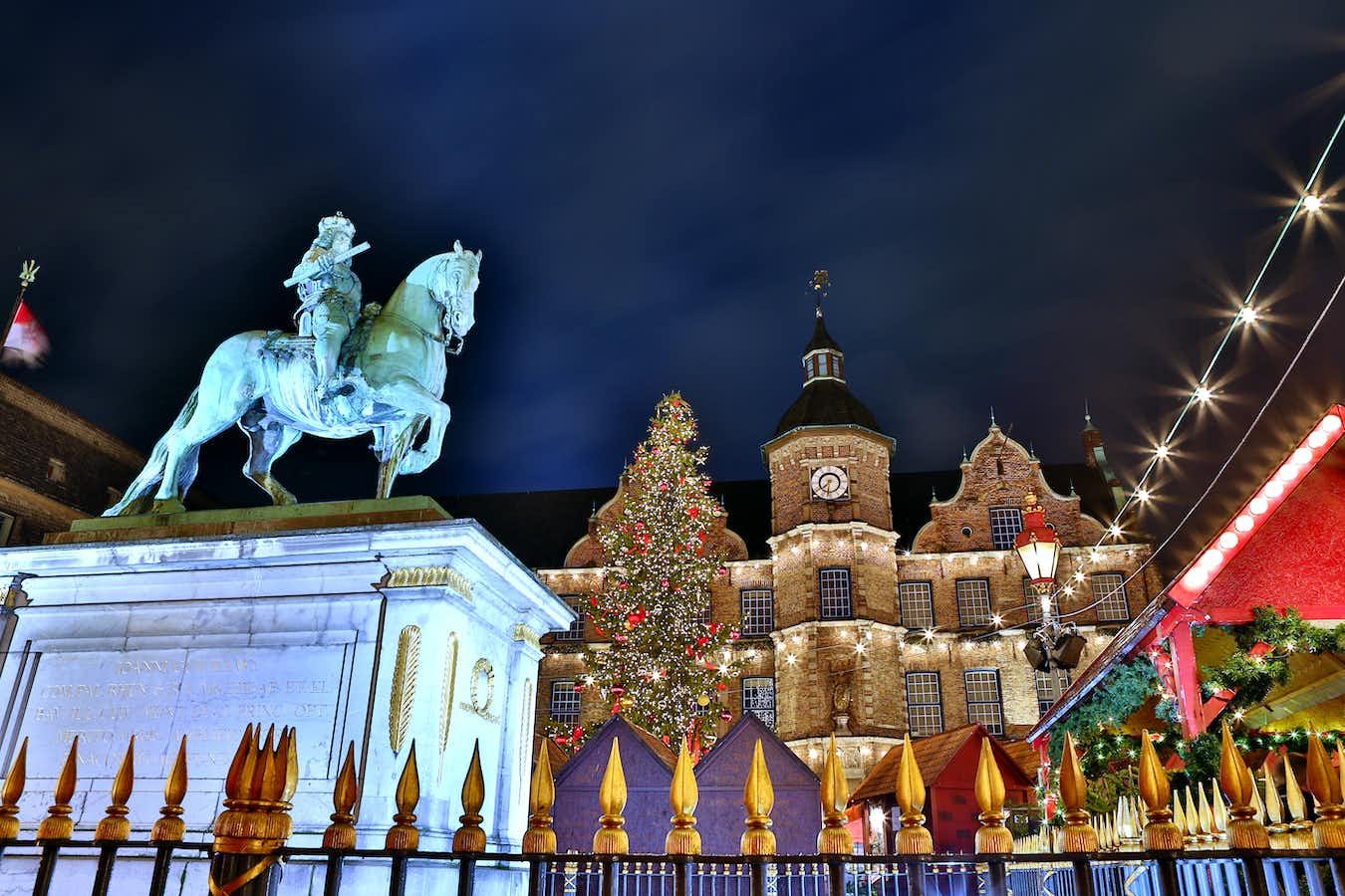 4-Star Düsseldorf & Cologne Christmas Markets