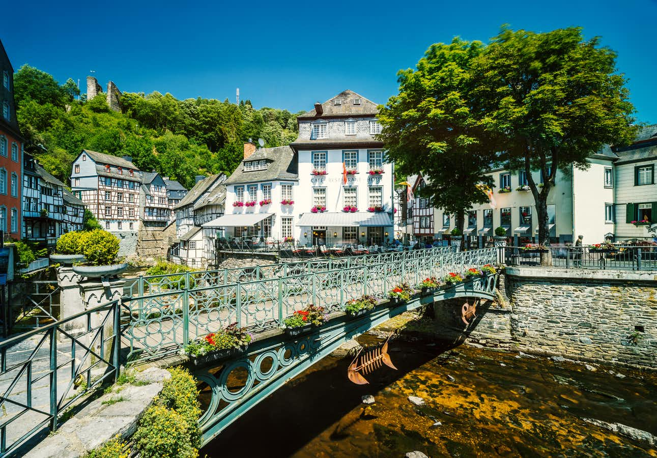 Monschau & the Eifel Hills for Single Travellers   Leger