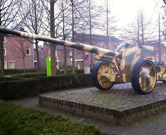 German 88mm at Susteren