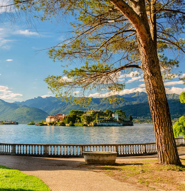 The Beauty of Lake Como & Lake Maggiore for Single Travellers