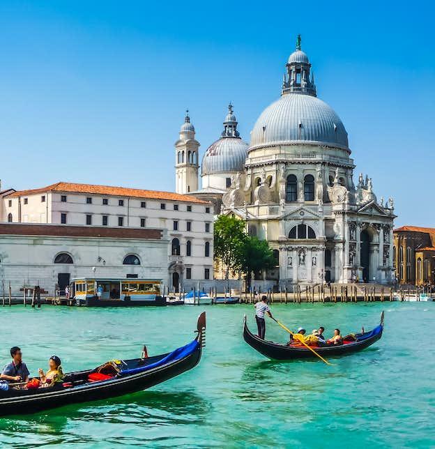 New Year in Lake Garda, Venice & Verona