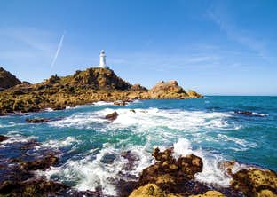 Jersey – An Island Paradise by Air for Single Travellers