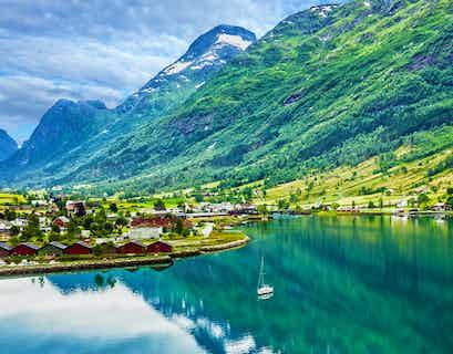 Cruising the Majestic Fjordland