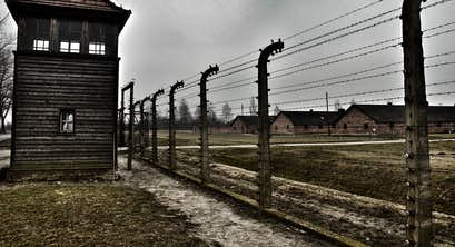 The Holocaust Remembered - The Moving Story of Anne Frank & Oscar Schindler