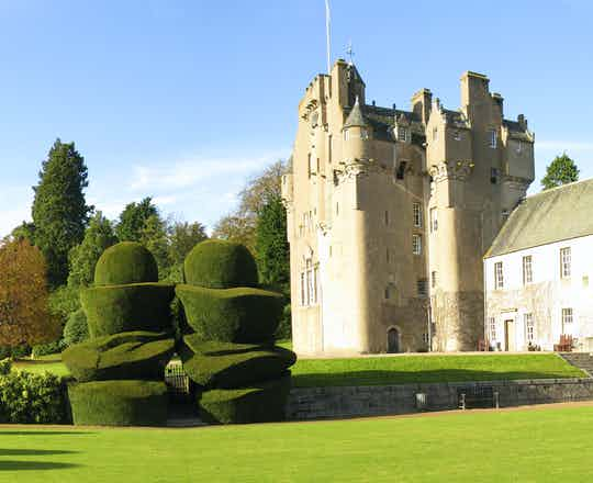 Aberdeen & Castle Trail, including entrance to Crathes Castle & Gardens