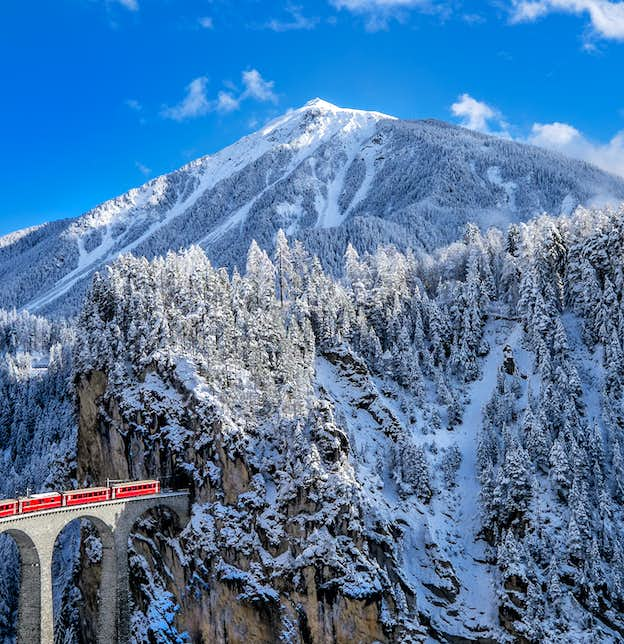 Bavarian Castles Winter Wonderland & the Swiss Glacier Express