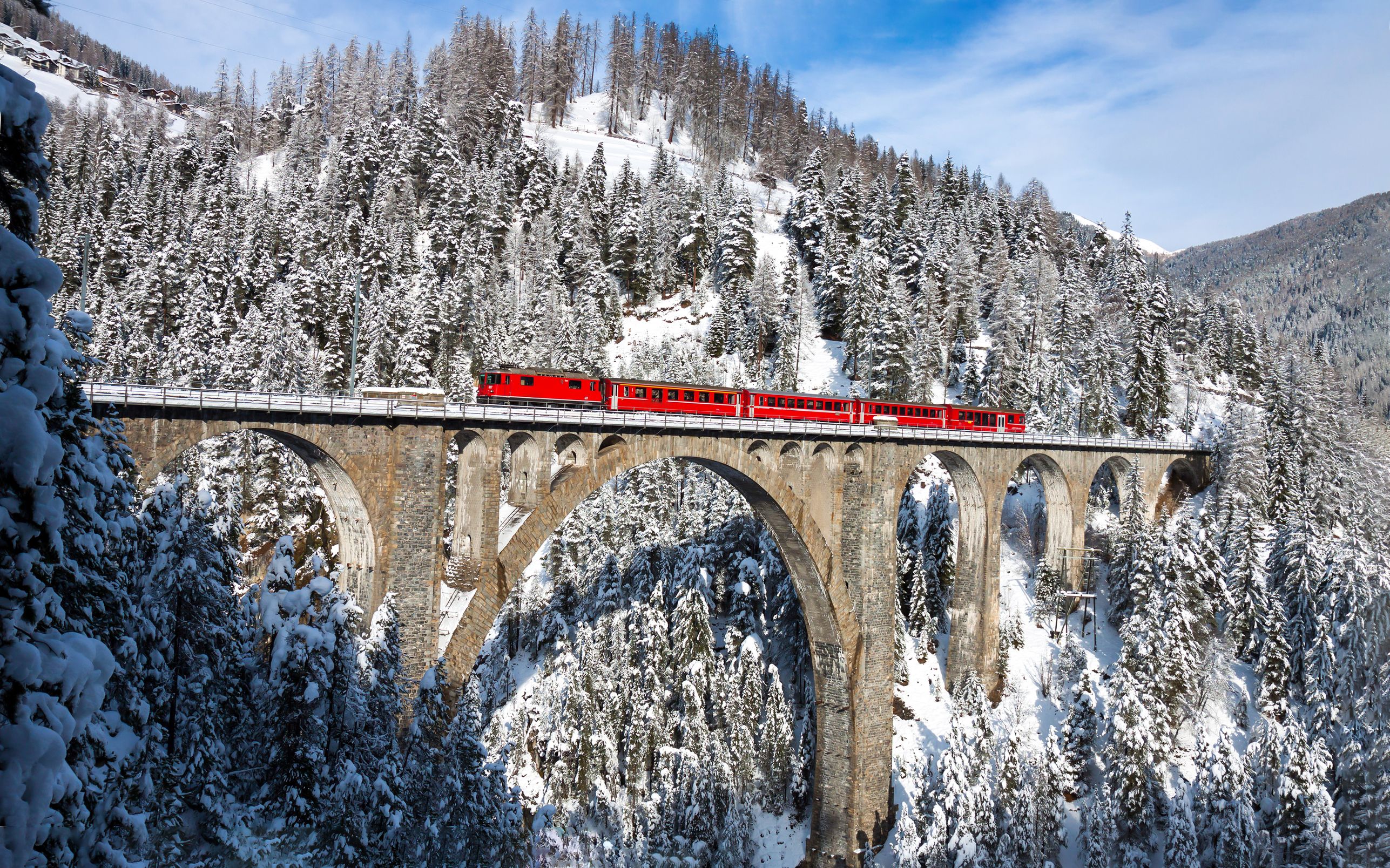 Four Countries Christmas Amp The Swiss Glacier Express Tour Mclachlan European Holidays