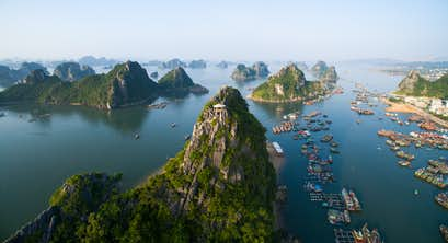 Highlights of Vietnam & Cambodia - Halong Bay, Hoi An, Ho Chi Minh City and Angkor