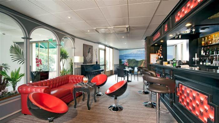 splendours of paris tour leger holidays. Black Bedroom Furniture Sets. Home Design Ideas