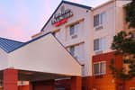 Fairfield Inn and Suites by Marriot Exterior