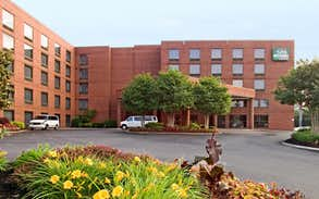 Guesthouse International Inn & Suites